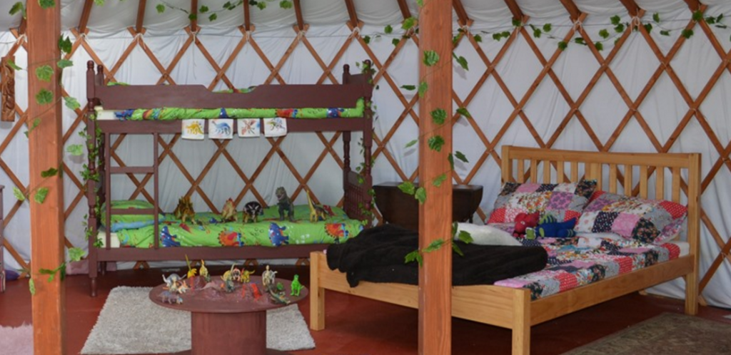 kids-love-yurts-4